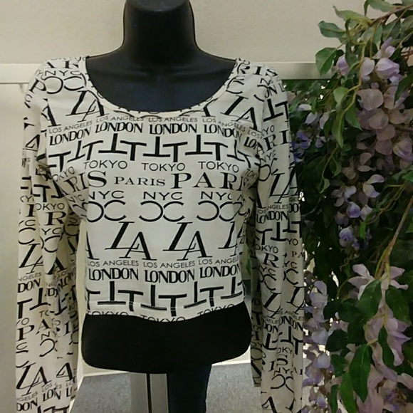 e14d740a2c2 Forever 21 Tops | City Print Long Sleeve Crop Top | Poshmark